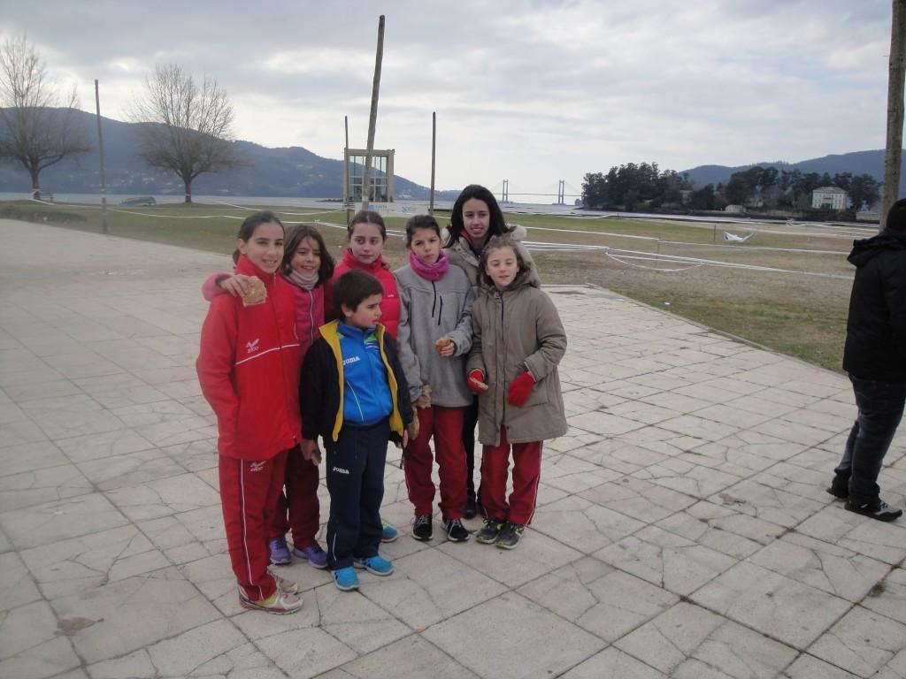 Parte dos cativos que participaron na proba